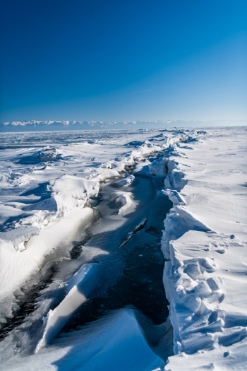 Lake-Baikal-Ice-Crack-1-Small.jpg