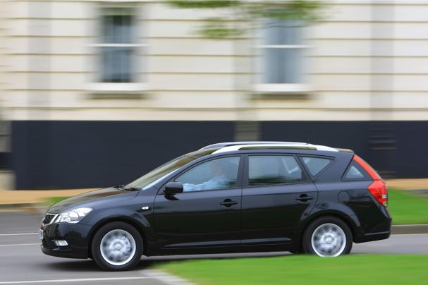 Kia Ceed 1.6 Diesel. Kia Cee#39;d SW 1.6 diesel