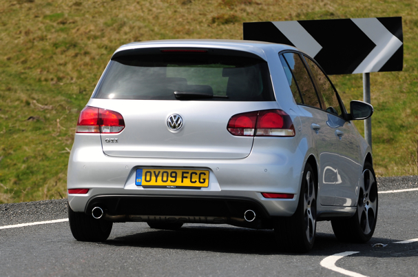 What Does Gti Stand For >> VW Golf GTi 2.0TSI 210 3dr - Scotcars