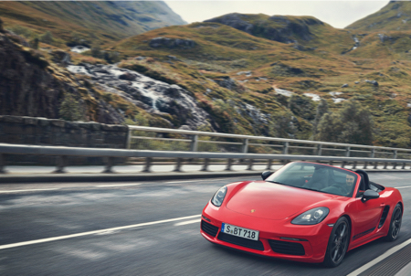 Porsche-718-Cayman-T-and-Boxster-T-3.jpg
